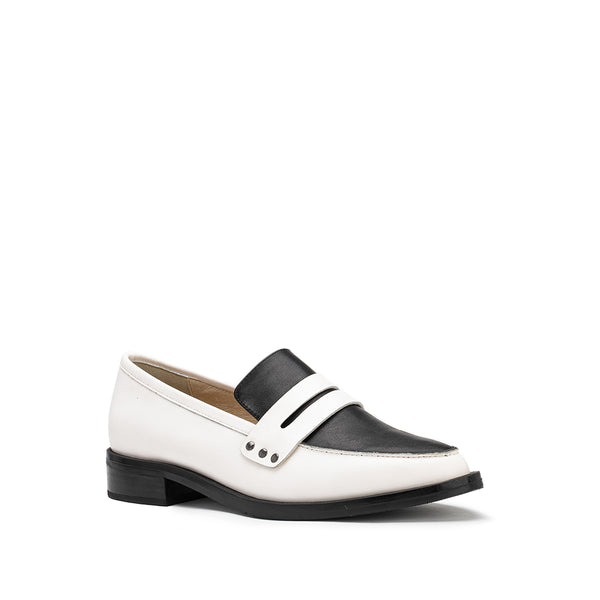 River Loafer - Black/White