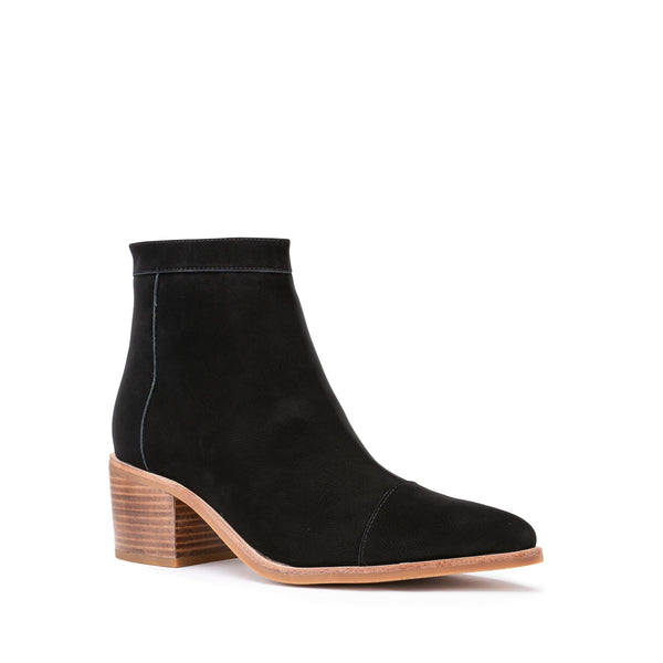 Streamline Boot - Black plain suede