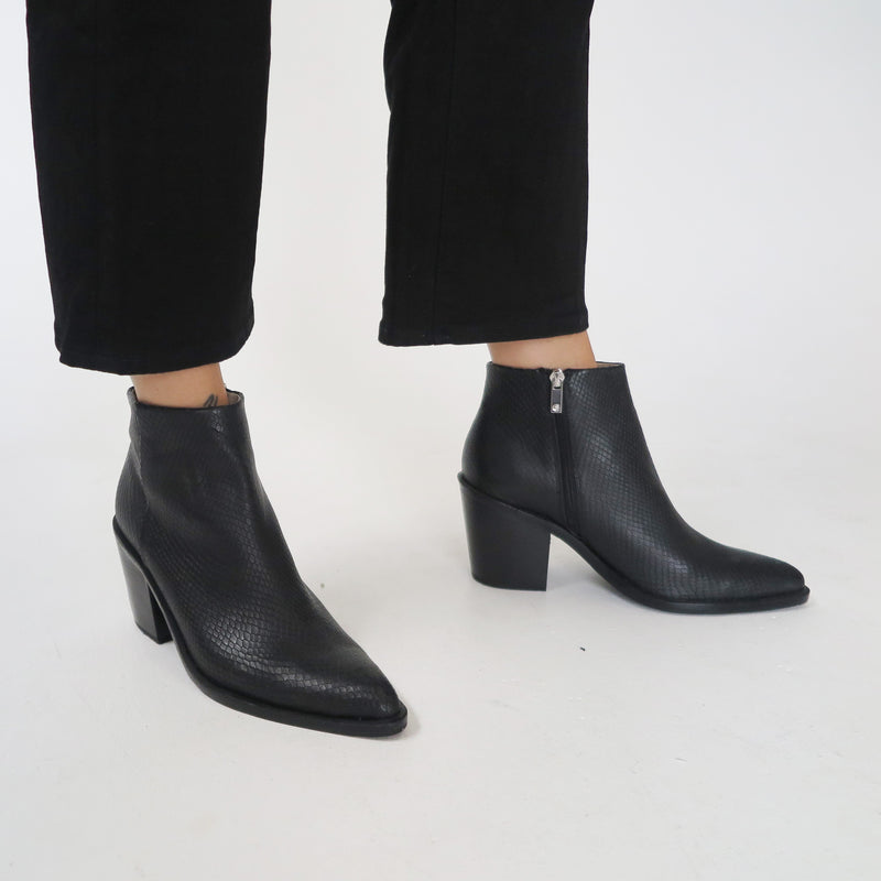 Tradition Boot - Black Lizard