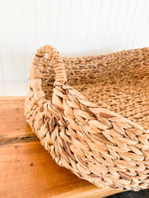 "Load image into Gallery viewer, 23"" Seagrass Basket Largest"