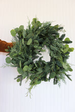 "Load image into Gallery viewer, 14"" Fresh Wreath with Eucalyptus"