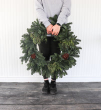 "Load image into Gallery viewer, 14"" Mixed Wreath"