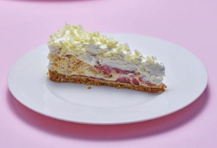 Strawberry Eton Mess Tort (16pptn)