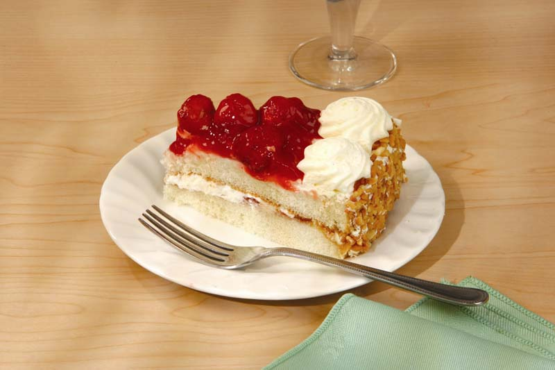 Strawberry Gateau 16 portions