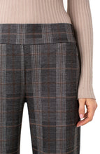 Load image into Gallery viewer, Plaid Pull On Culotte