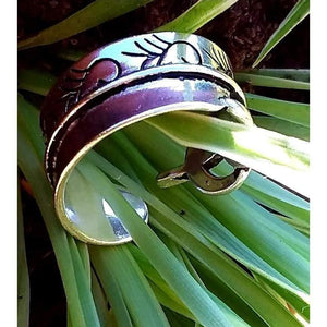Adjustable Faux Spinner Ring Funky Wedding Band Style Silver Tone Quirky Ring - Off The Wall Accessories