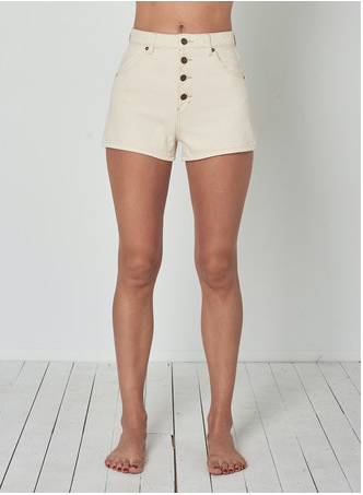 13667 Dusters Short Natural
