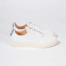 Load image into Gallery viewer, EKN - ARGAN LOW IN WHITE LEATHER