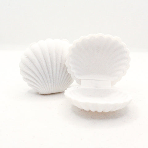 Velveted Mini Sea Shell Jewelry Box : White
