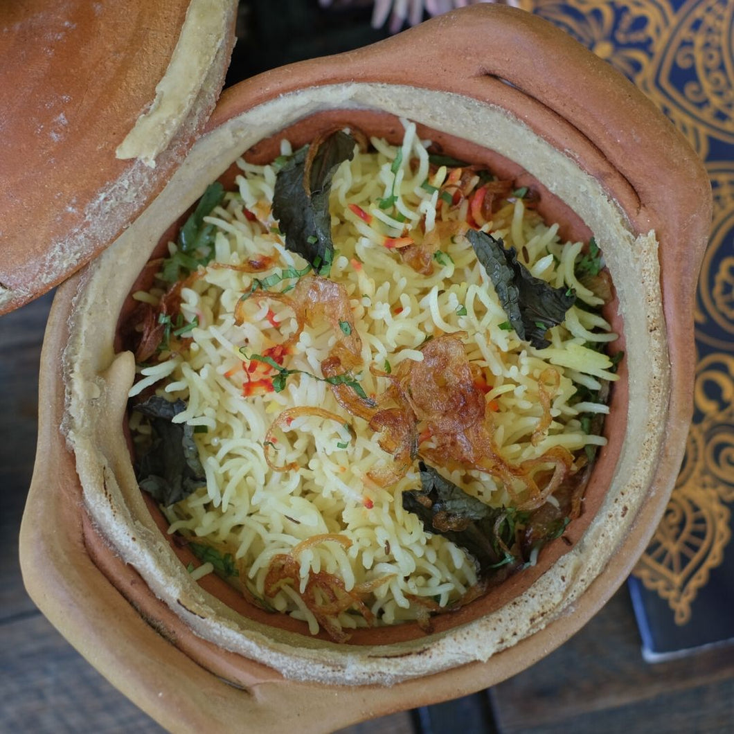 Lucknowi chicken biryani (in clay pot)