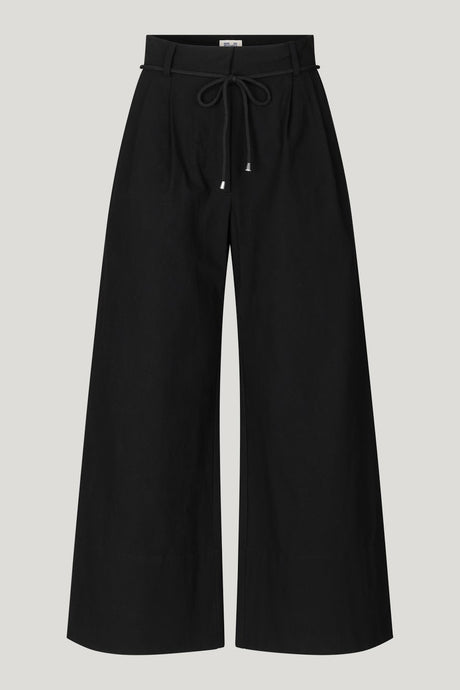 baum_und_pferdgarten_nour_black_trousers_ladies_fashion_lytham_lancashire_boutique_copenhagen_scandi_style