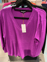 Load image into Gallery viewer, Cashmere-merino Vee neck Pullover oversize FW6120