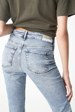 Load image into Gallery viewer, Alissa Ankle Skinny jeans