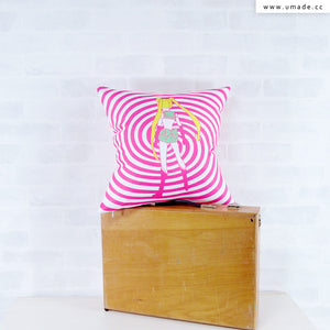 UMade Artist Throw Pillow ★藝術家創作抱枕★ MOONLITE月光族 - PIDANG WU