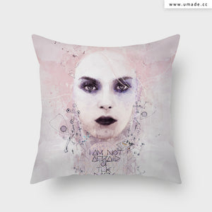 UMade Artist Throw Pillow-藝術家創作抱枕-I am Not Afraid of The Dark - Raphaël Vicenzi