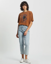 Load image into Gallery viewer, LEAGUE W S/S OVERSIZED CREW TEE