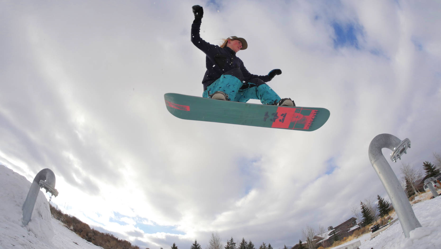 Madison Blackley on her rome snowboard