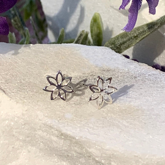 Little Daisy Flower Stud Earrings
