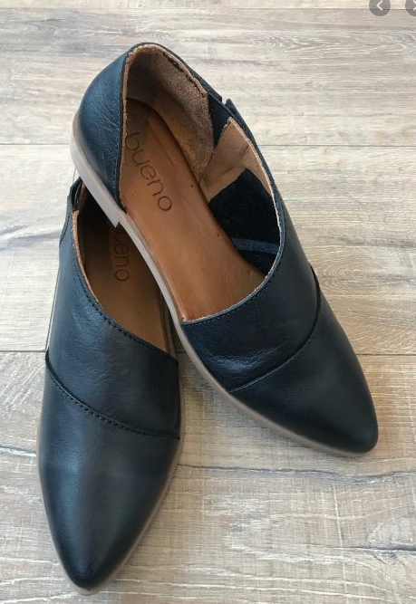 Side Cut-out Leather Shoe- Black Leather