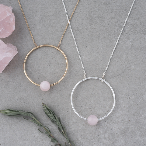 GLEE-Solo Circle Silver and Rose Quartz Long Necklace