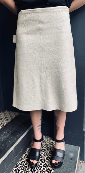 Bottega Veneta off white leather skirt sz42