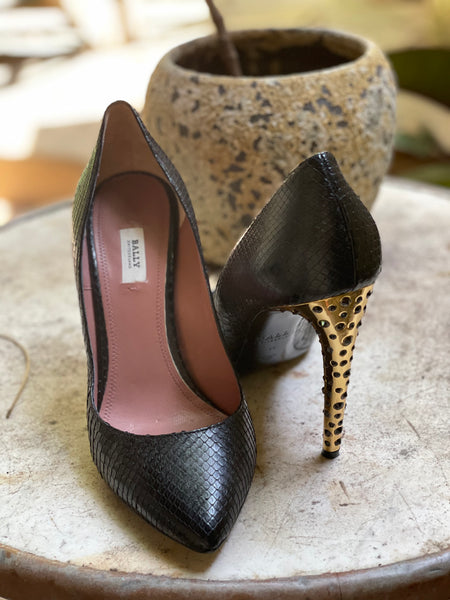 Bally black snakeskin heels sz 40