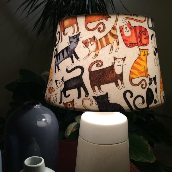Cat tails table lamp