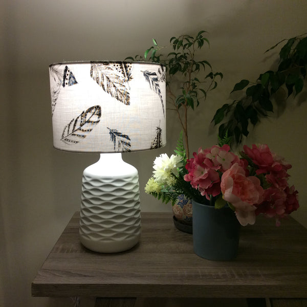 White feathers print lampshade