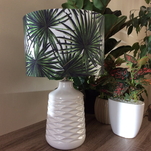 Ceramic table lamp with palm fabric