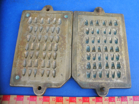 Antique brass dental false tooth mould 2