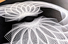 Load image into Gallery viewer, Spirograph #9670