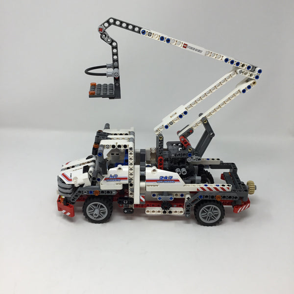 8071-1 Technic Bucket Truck(Used)