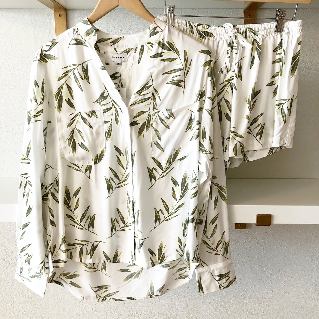 Olive Leaf Long Sleeve with Shorts