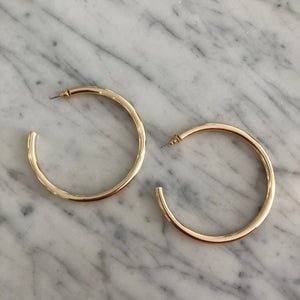 Marilyn Shiny Gold Hoops
