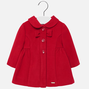 A superbly soft and smart red coat for girls by Mayoral. The coat is styled classically, with long sleeves, a rounded peter pan style collar and button fastenings with a bow to the front. It will look fashionable in the winter with a dress and tights from the label.