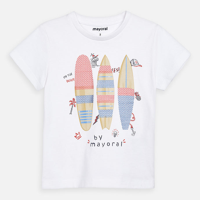 Mayoral Singapore T-shirt. This t-shirt from Mayoral is a great choice for everyday adventures. Crafted in pure cotton, it features a surfing board inspired print, a round neckline and short sleeves. Pair with blue skinny jeans or shorts and sneakers for a casual look.