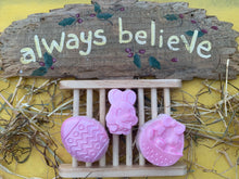 Load image into Gallery viewer, Easter Soaps 60g - Set of 3 - Gift Boxed