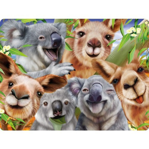 3D KOALA AND KANGAROO SELFIE POSTCARD