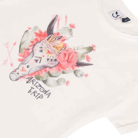 Beige T-shirt with cow's skull graphic