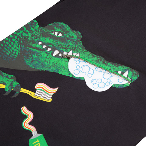 Funny crocodile black T-shirt