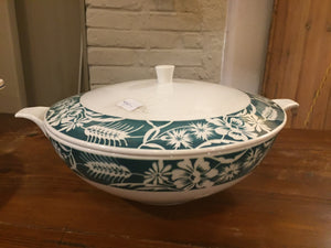 Sopera antigua en porcelana - Antique soup tureen