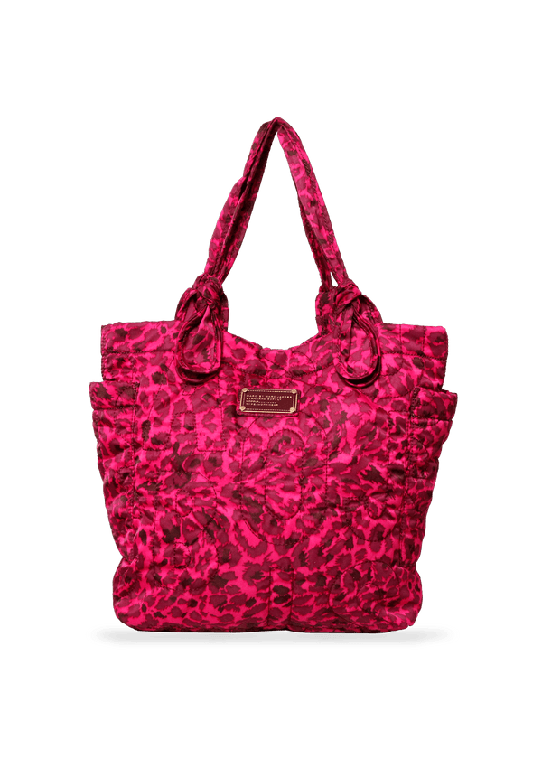 QUILTED NYLON PRETTY TOTE