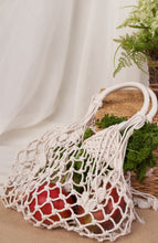 Load image into Gallery viewer, Ivory cotton fringe net bag
