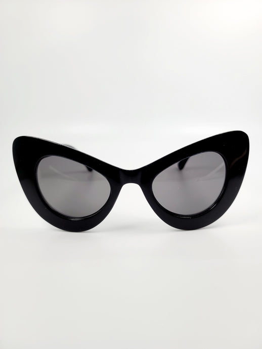 black wide plastic cat eye frame gray lens sunglasses