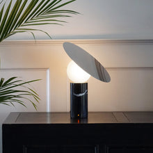 Load image into Gallery viewer, Bola Disc Table Lamp