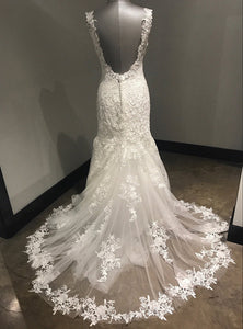 Sweet 16 Dresses | Elegant ivory lace long V neck mermaid open back wedding dress