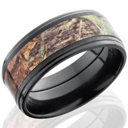 Style 103958: Zirconium 9mm Flat Band with 5mm of MossyOak Camo
