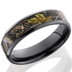 Style 103866: Zirconium 6mm beveled band with 4mm Real Tree APG pattern