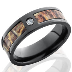 Style 103951: Zirconium 7mm Flat Band with 5mm of Realtree Max4 Camo and Flush White Diamond.