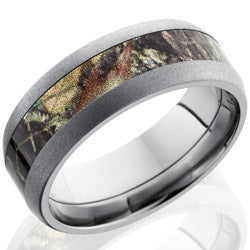 Style 103617: Titanium 8mm Domed Band with 4mm of MossyOak Camo